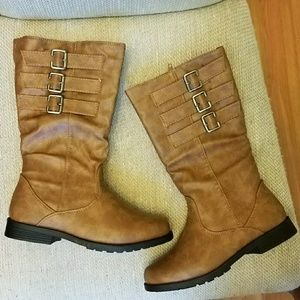 Shoes - Brand new listing.  Girls bootsgreat gift