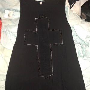 Cross cut out tank top
