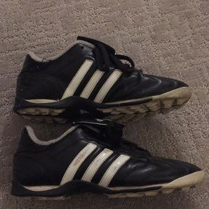Adidas zapatos Childrens Kids Indoor Soccer talla 35 poshmark
