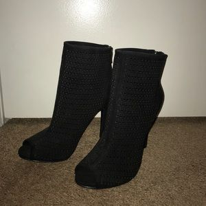 Chinese Laundry open toed heel