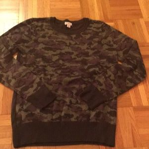 Camo sweater. So perfect for cold months