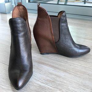Jeffrey Campbell Harrison Booties sz 8 brand new