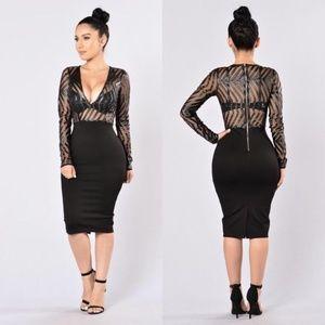 Fashion Nova Ahead of the Curves Midi Dress. Black