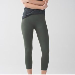 Lululemon zone in crop leggings size 4