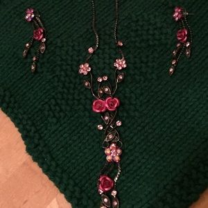 Pink crystal & roses necklace and earrings set