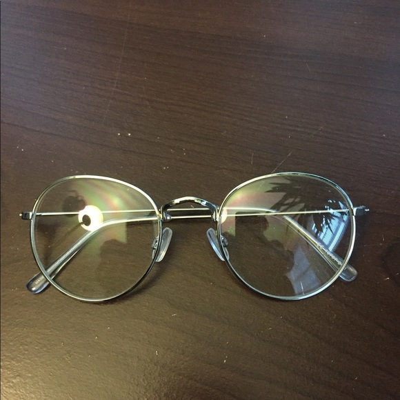 7d2b925976 Trendy reading glasses from Urban Outfitters. M 5a1221d22599fe01f40a4da4