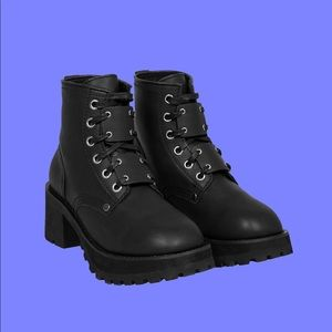 UNIF Dedi boot