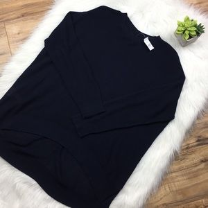 Lou & Gray Sz L navy light weight tunic sweater
