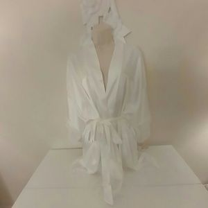NWT white Bridal kimono robe with lace