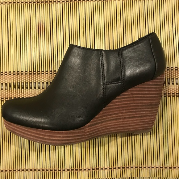 8b1fb88cba3c Dr. Scholl s Shoes - Dr. Scholl s Harlin Wedge Bootie