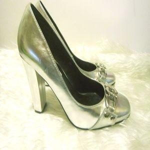 STEVE MADDEN Silver Chunky Heel Pumps