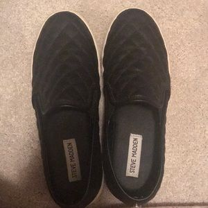 Shoes - steve madden slip ons