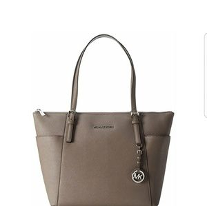 (NWT) Michael Kors Large Saffiano Leather Tote