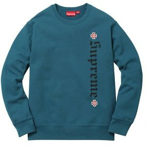 Supreme Sweater/Shirt