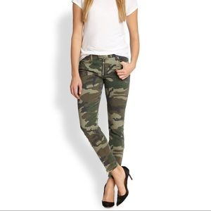 Textile Elizabeth and James Cooper Camo Skinny 26