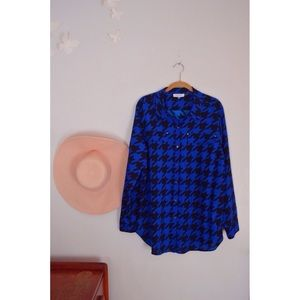 Calvin Klein 1x blue houndstooth blouse