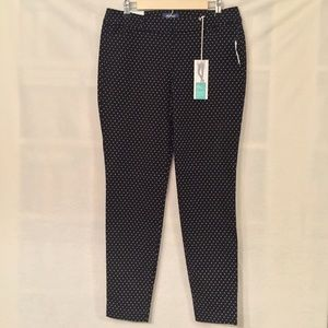 Old Navy black white mid-rise pixie pant