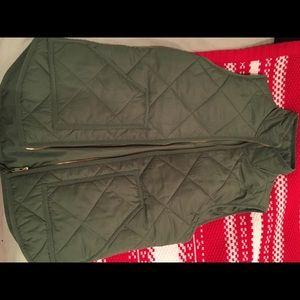 Jcrew factory green puffer vest