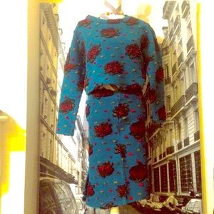 100% wool. Classic wool flowers embroidered dress!