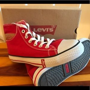 LEVI'S Buck Hi Top Sneakers NEW in Box