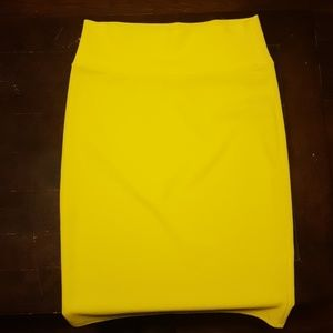 BNWOT bright yellow lularoe cassie skirt