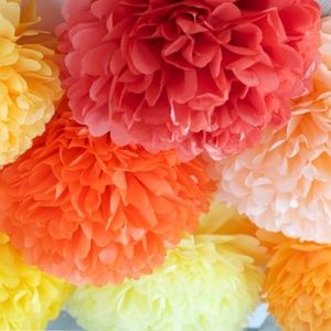 BRAND NEW | Set of 30 Tissue Poms-Poms Party Decor