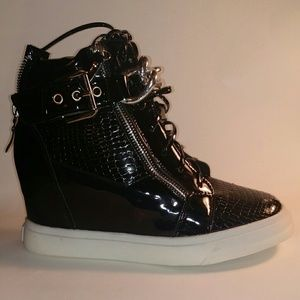 Shoes - PATENT LEATHER SNEAKER WEDGES