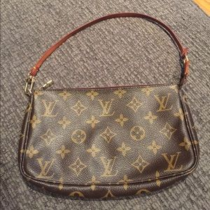 Louis Vuitton small accessory pouch