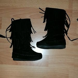 Other - Like new toddler size 5 mid-height fringe boots