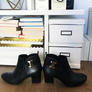 SALE💓 Tory Burch Ankle Boots with Gold Detailing