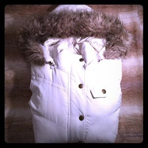 NWOT Banana Republic Women's Faux Fur Puffer Vest