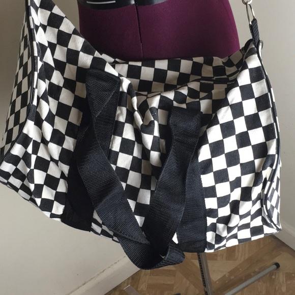 b788abd639 Vans checkered duffel bag. M 5a123c5a41b4e0fd6c0b3dd0