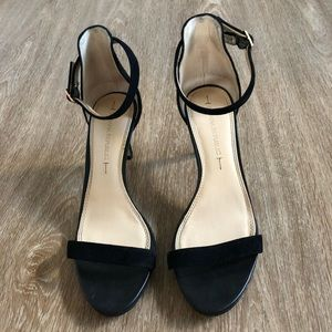 Banana Republoc Strap Heels Black size 7