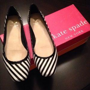 NWT Kate Spade Black/Cream Striped Patent Leather