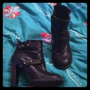 Tory Burch Lug ankle booties boots 7