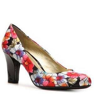 Liz Claiborne Black Floral Heels