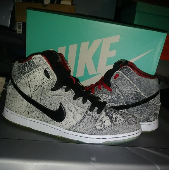 d5908bf0d30 Nike SB Dunks High