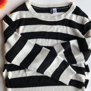 🍁 H&M Striped Sweater 🍁