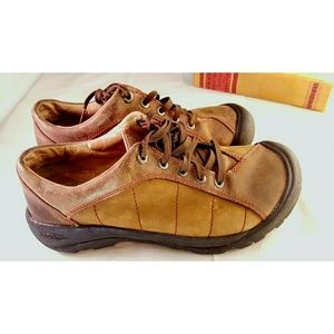 Keen Brown Leather Lace Up Walking Hiking Shoes