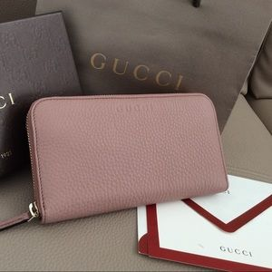 New $590 Authentic wallet Gucci pink Italy clutch