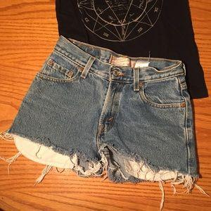Vintage Levi's Denim High Rise Shorts Size:550