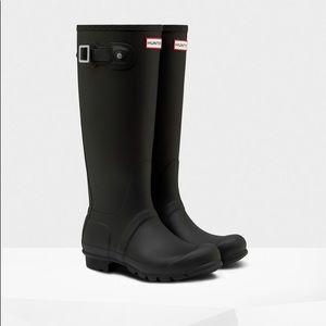 Hunter Matte Black Rain Boots - W Size 8