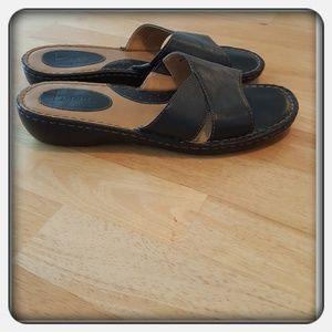 Woman's Black Genuine Leather Sandals Sz 10M