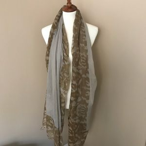 Oversized Sheet Scarf
