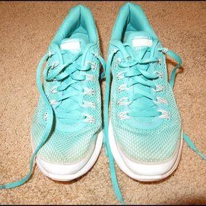 Turquoise Nike Lunarlon's - size 8