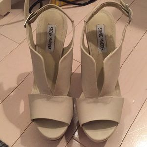 Steve Madden patent leather wedges