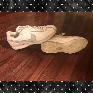 Nike white cheer tennis shoes