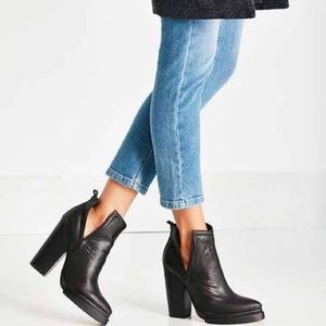 Jeffrey Campbell Who's next black leather booties