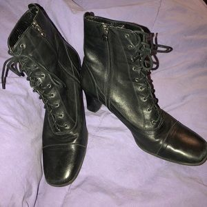 Etienne Aigner leather black laceup look w zippers