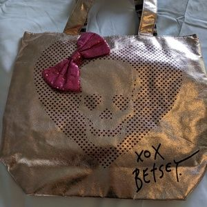 Betsey Johnson tote with skull and bow